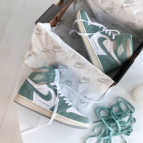 Кроссовки женские Nike Jordan 1 Retro High Patent Mint