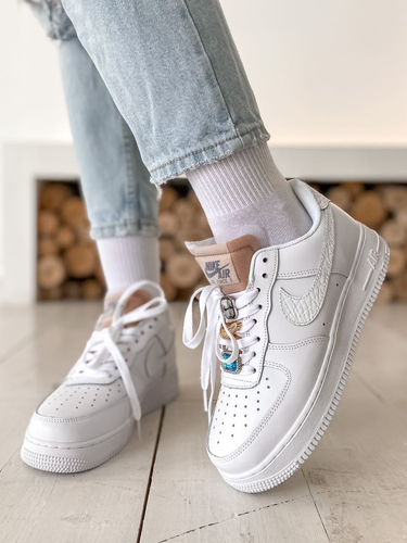 Кроссовки женские Nike Air Force 1 LX white lace beige premium